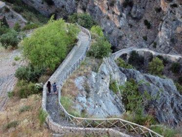 Ponte-del-diavolo Fonte Agora Ristorazione em Civita