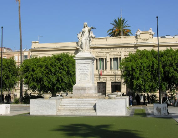 Piazza Italia, Reggio
