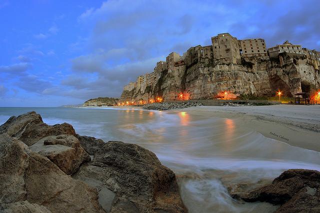 Tropea na Calabria. Fonte Andrea Calzona. Flick