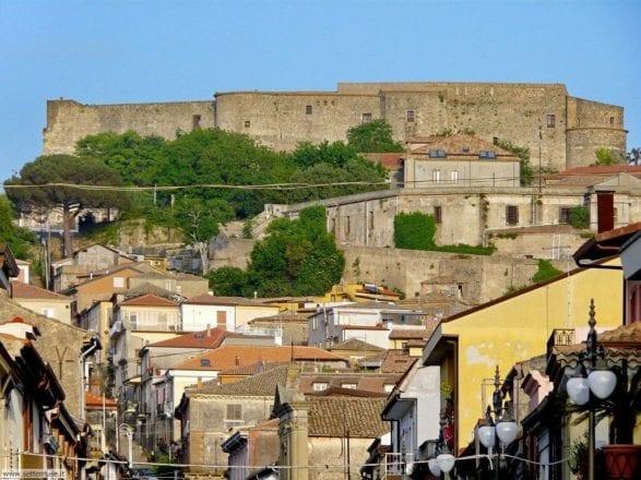 vibo_valentia_007_castello_borgo