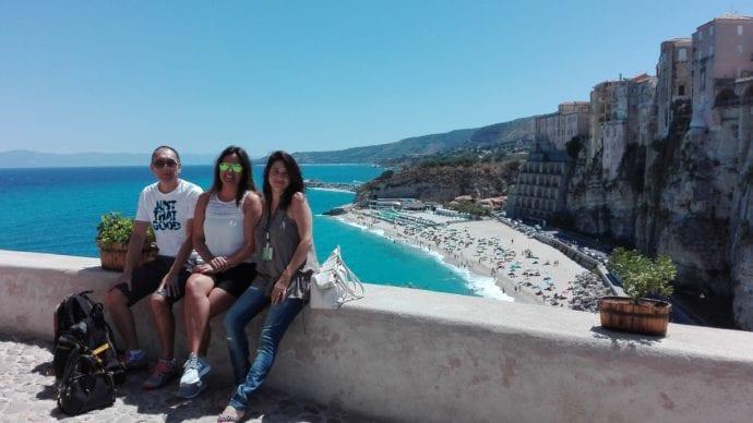 Foto em Tropea com os clientes Ziro e Patricia