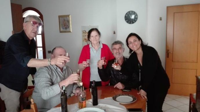 Marisa e o marido conhecendo a familia de origem:)