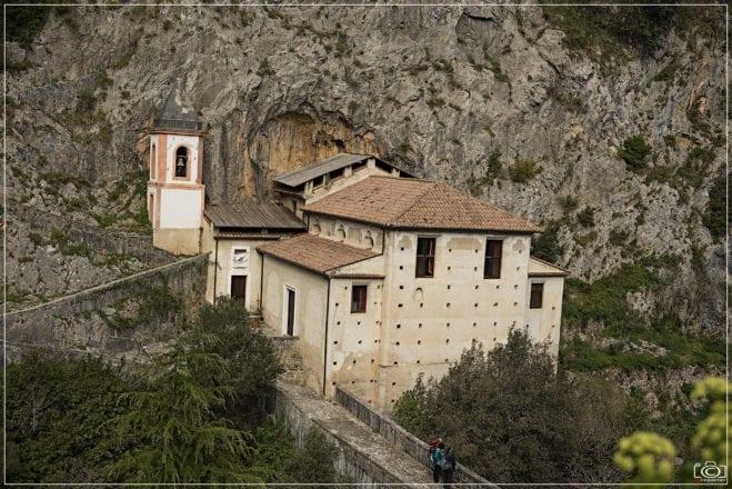 Santuario Madonna di Costantinopoli. Giuseppe Russo. Papasidero. Fonte Flick
