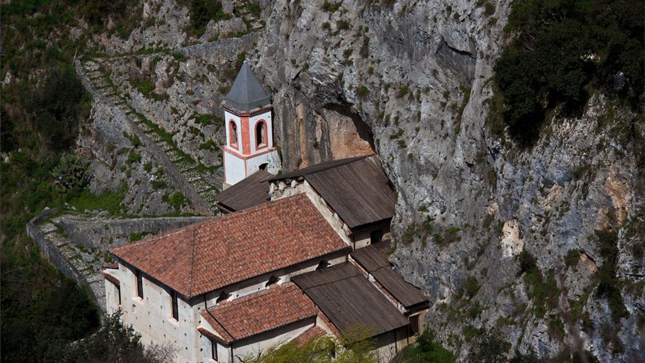Santuario Madonna di Costantinopoli. Francesco Quatroni. Papasidero. Fonte Flick 1280 x 720