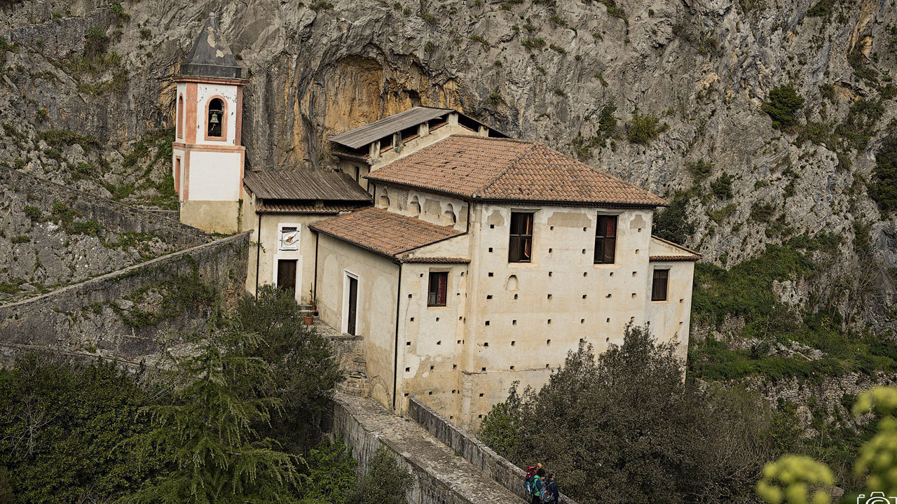 Santuario Madonna di Costantinopoli. Giuseppe Russo. Papasidero. Fonte Flick 1280 x 720