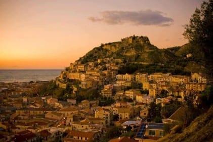 Fique com a gente para descobrir a história, a gastronomia e a natureza de uma antiga região entre 2 mares!!!! Minha belíssima Calábria!!!!