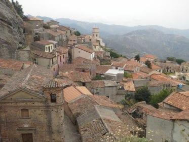Vamos conhecer o vilarejo de Bova na Calábria?
