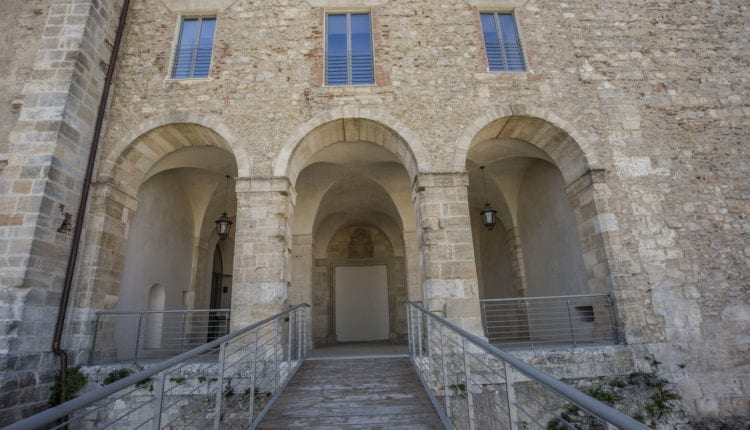 Vamos visitar o maravilhoso Castelo de Cosenza?