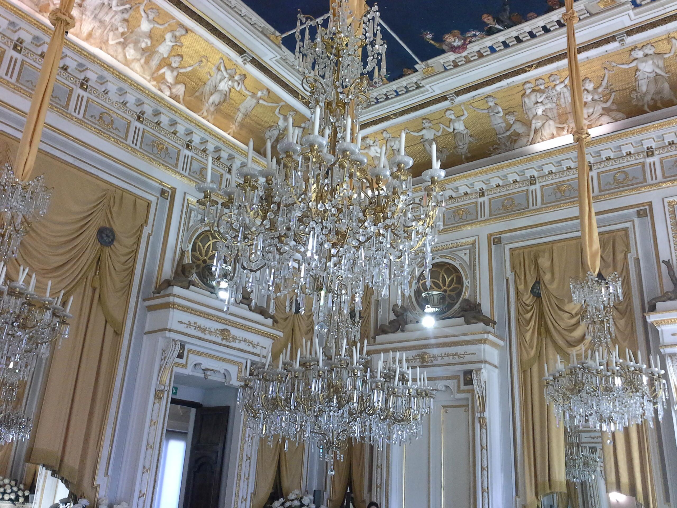 Salão dos espelhos. Castelo de Corigliano.
