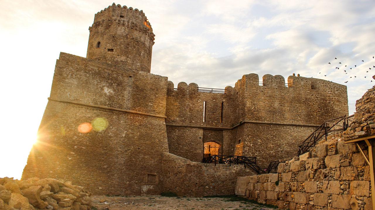 Le Castella. Fonte Francesco Filareti Flick 1280 x 720