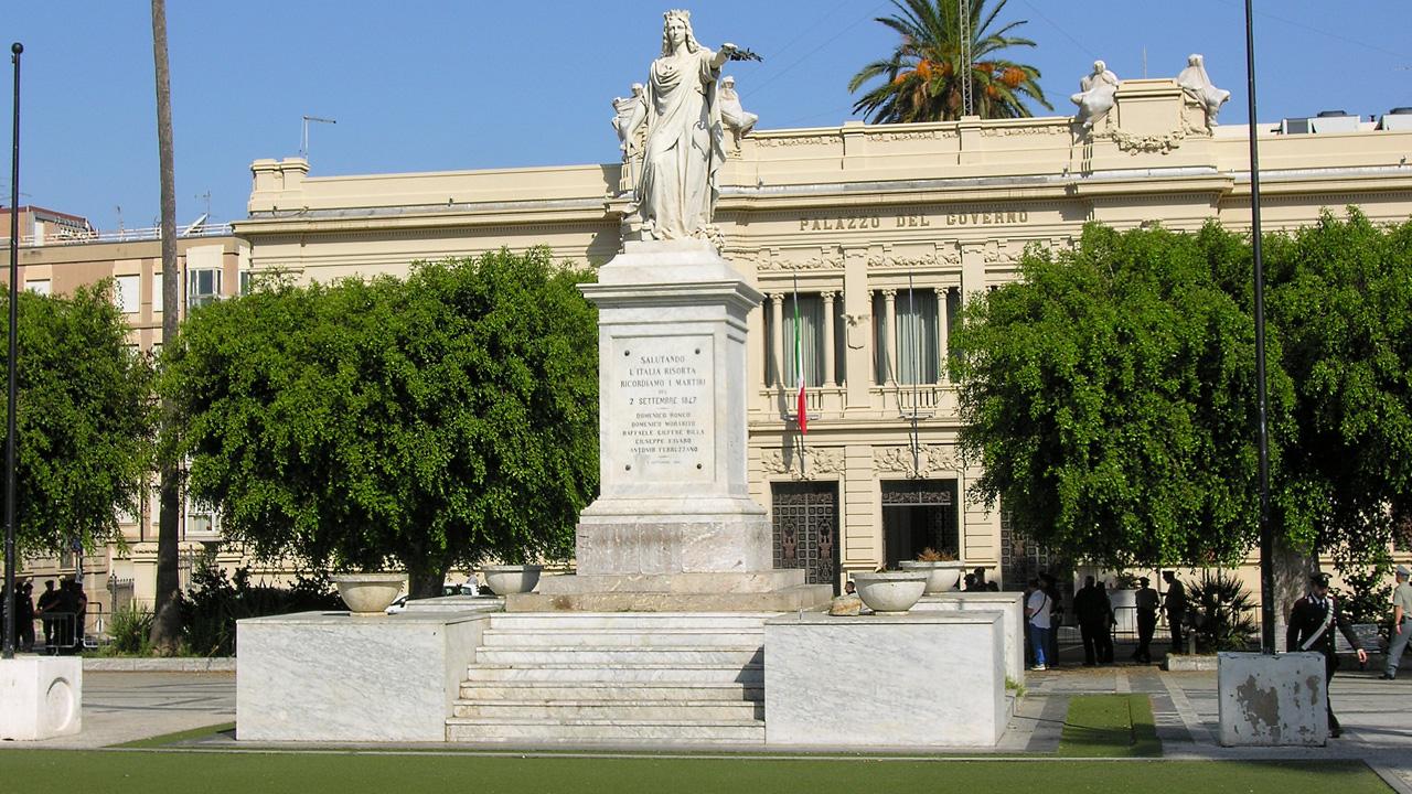 Piazza Italia, Reggio 1280 x 720