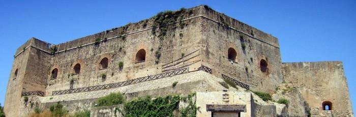 04-Sourcesite of Scillas city hall image of Ruffo Castle