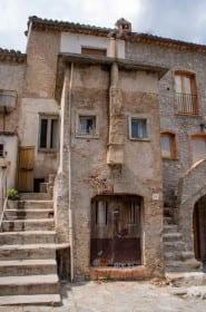 Vamos conhecer Civita na Calábria?