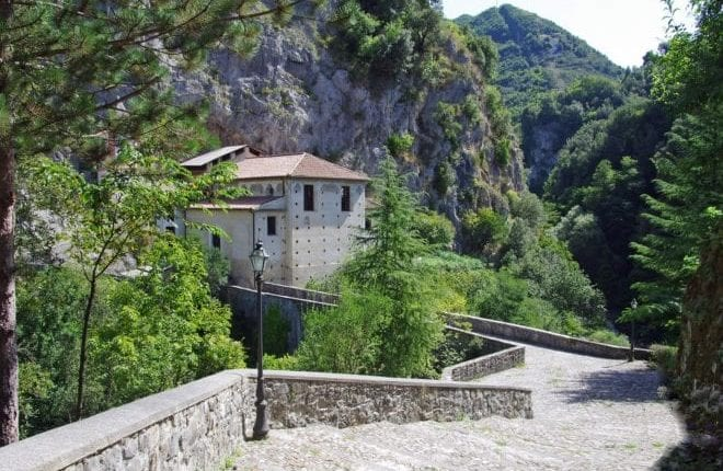 Let´s Visit Papasidero and the Romito Cave and the Sanctuary
